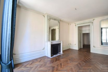 appartement-bourgeois-tourny---ascenseur